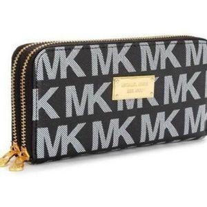Michael Kors Continental Logo Large Black B Wallet